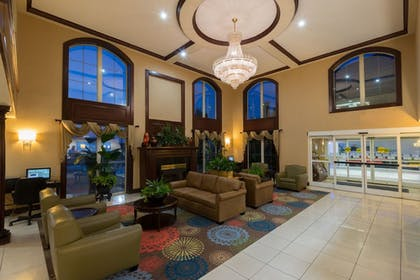 Lobby | Holiday Inn Express Hotel & Suites Asheville-Biltmore Square