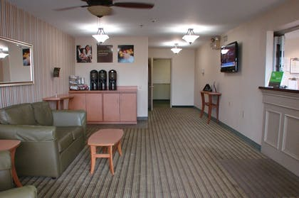 Lobby | Extended Stay America Pittsburgh - Airport