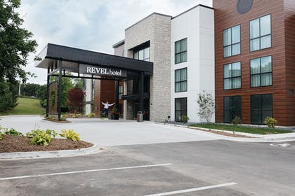 Parking | Revel Hotel Des Moines Urbandale, Tapestry Collection by Hilton