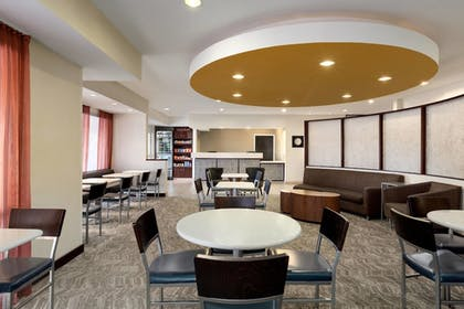 Lobby Sitting Area | SpringHill Suites Phoenix North