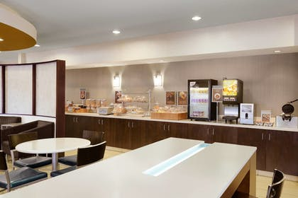 Breakfast Area | SpringHill Suites Phoenix North