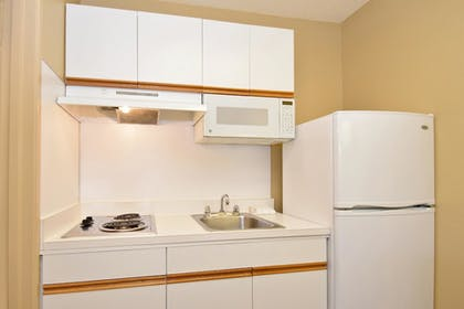 In-Room Kitchen | Extended Stay America - Dallas - Las Colinas - Carnaby St.