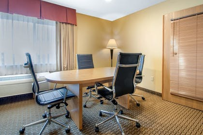 Room | Comfort Suites Wisconsin Dells Area