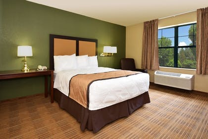 Guestroom | Extended Stay America Champaign - Urbana
