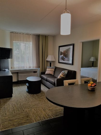 Living Room   Candlewood Suites East Syracuse - Carrier Circle