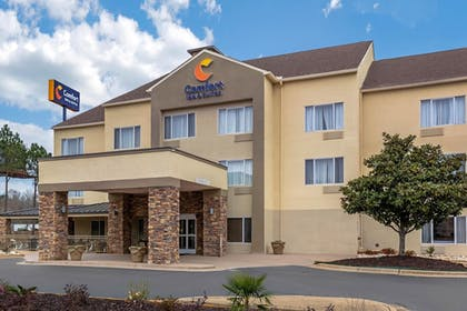 Featured Image   Comfort Inn & Suites Montgomery East Carmichael Rd
