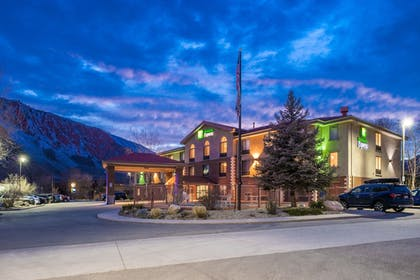 Featured Image | Holiday Inn Express Glenwood Springs