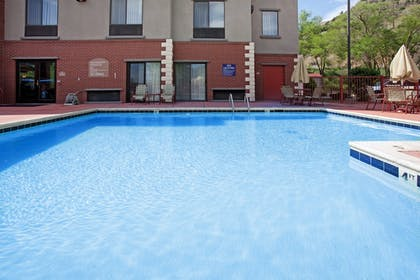 Pool | Holiday Inn Express Glenwood Springs