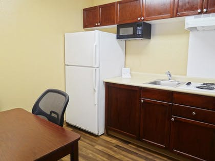 In-Room Kitchen | Extended Stay America- Kansas City - Overland Park - Metcalf