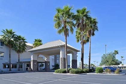 Hotel Front | Comfort Suites At Tucson Mall