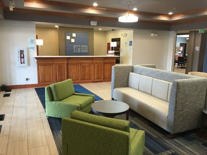 Lobby | Holiday Inn Express Hotel & Suites Limon I-70