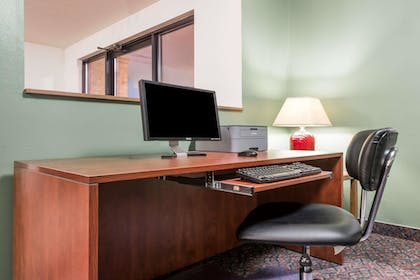 Business Center | Super 8 by Wyndham Missoula/Reserve St.