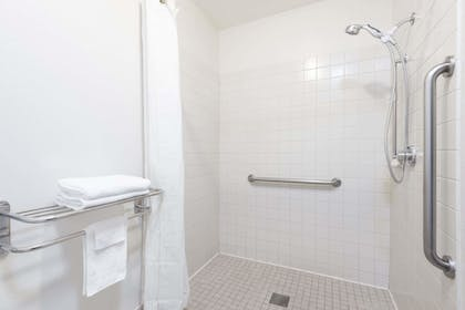 Bathroom | Super 8 by Wyndham Missoula/Reserve St.