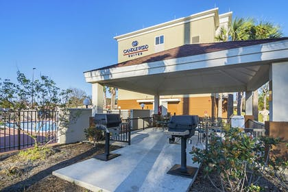 Hotel Front | Candlewood Suites Pensacola - University Area