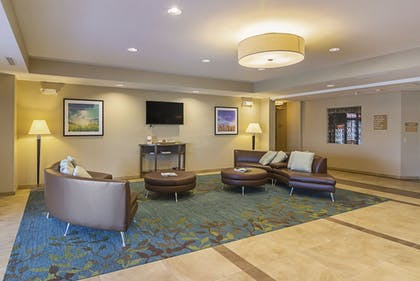 Lobby | Candlewood Suites Pensacola - University Area