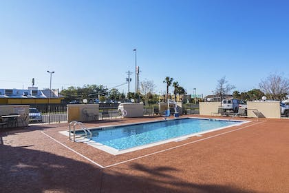 Outdoor Pool | Candlewood Suites Pensacola - University Area