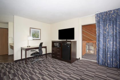 Guestroom | AmericInn by Wyndham Mount Pleasant