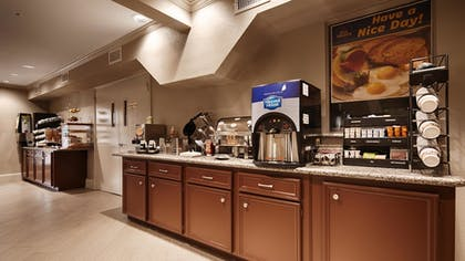 Breakfast Area | Best Western Deer Park Inn & Suites