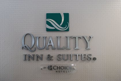 Reception | Quality Inn & Suites