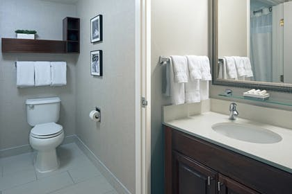 Bathroom | Residence Inn by Marriott Beverly Hills