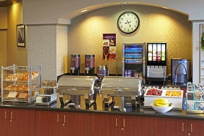 Breakfast Area | Residence Inn by Marriott Beverly Hills