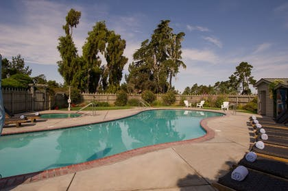 Outdoor Pool | Cambria Pines Lodge