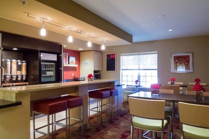 Restaurant | TownePlace Suites by Marriott Tallahassee N Capital Circle