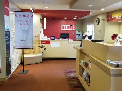 Lobby | TownePlace Suites by Marriott Tallahassee N Capital Circle