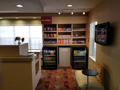 Food and Drink | TownePlace Suites by Marriott Tallahassee N Capital Circle