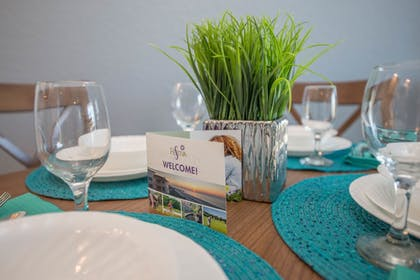 In-Room Dining | Coconut Palms Beach Resorts