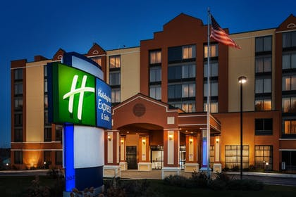 Featured Image | Holiday Inn Express Hotel & Suites South Portland
