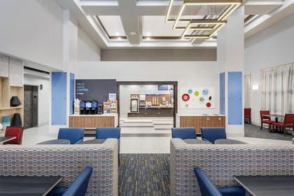 Restaurant | Holiday Inn Express Hotel & Suites South Portland
