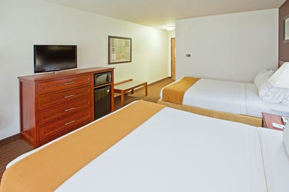 Guestroom | Holiday Inn Express Grand Rapids SW