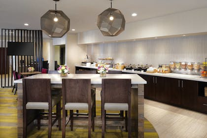 Breakfast buffet   SpringHill Suites by Marriott St. Louis Chesterfield