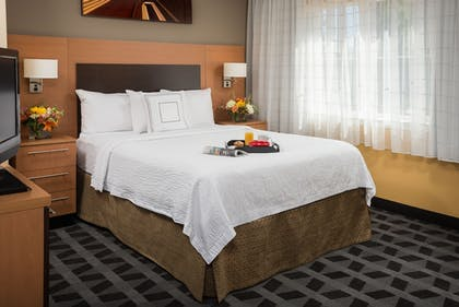 Guestroom | TownePlace Suites Bend Near Mt. Bachelor