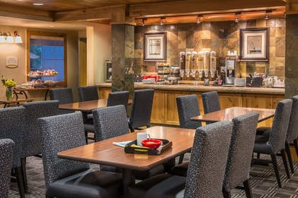 Breakfast Area | TownePlace Suites Bend Near Mt. Bachelor