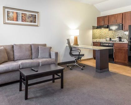 Guestroom   MainStay Suites Pittsburgh Airport