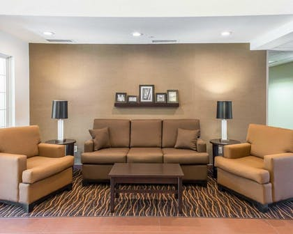 Lobby   MainStay Suites Pittsburgh Airport