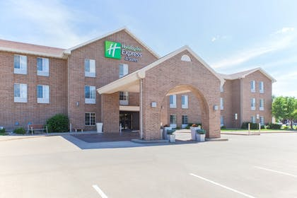Exterior | Holiday Inn Express & Suites Sioux Falls At Empire Mall
