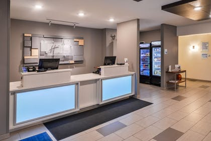 Lobby | Holiday Inn Express & Suites Sioux Falls At Empire Mall