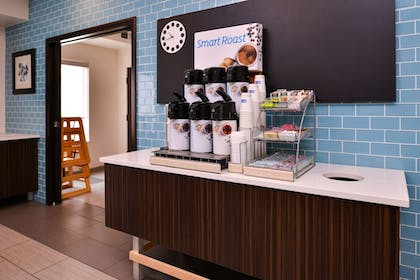 Coffee Service | Holiday Inn Express & Suites Sioux Falls At Empire Mall