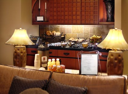 Dining | Larkspur Landing Bellevue - An All-Suite Hotel