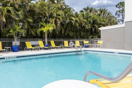 Outdoor Pool | Fairfield Inn & Suites by Marriott Ft. Myers/Cape Coral
