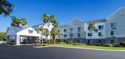 Hotel Front | Fairfield Inn & Suites by Marriott Ft. Myers/Cape Coral