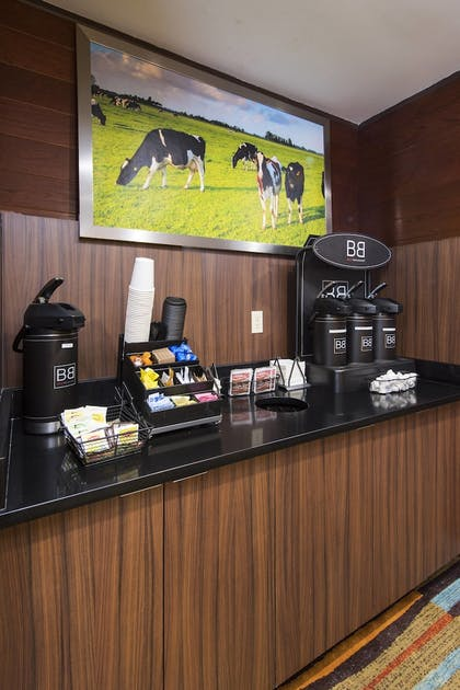 Cafe | Fairfield Inn & Suites by Marriott Ft. Myers/Cape Coral