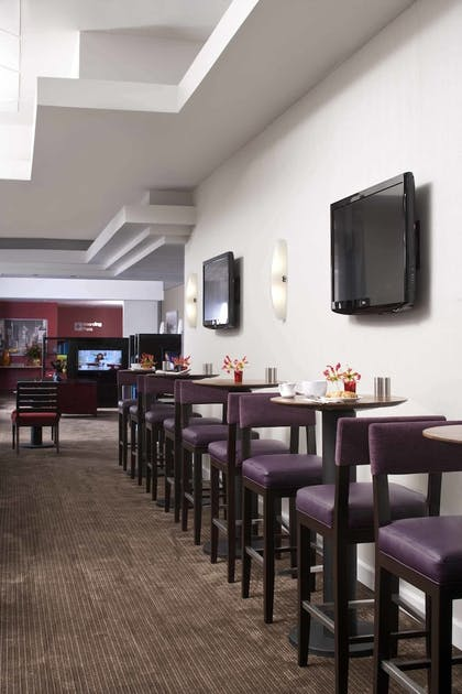 Dining | Courtyard by Marriott New York Manhattan/Times Square