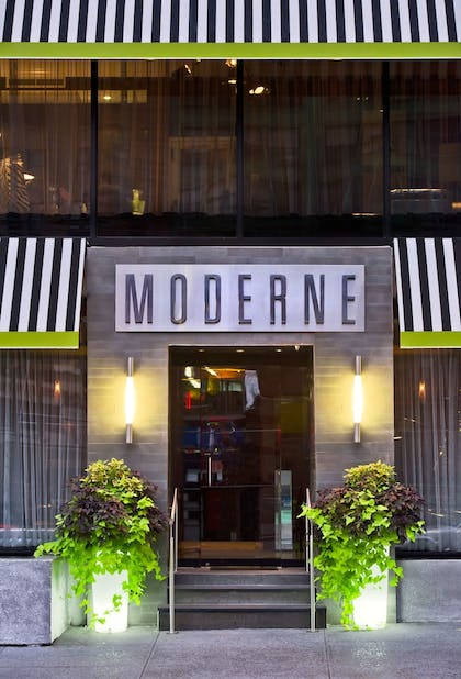 Exterior | The Moderne