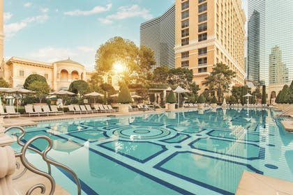 Outdoor Pool | Bellagio