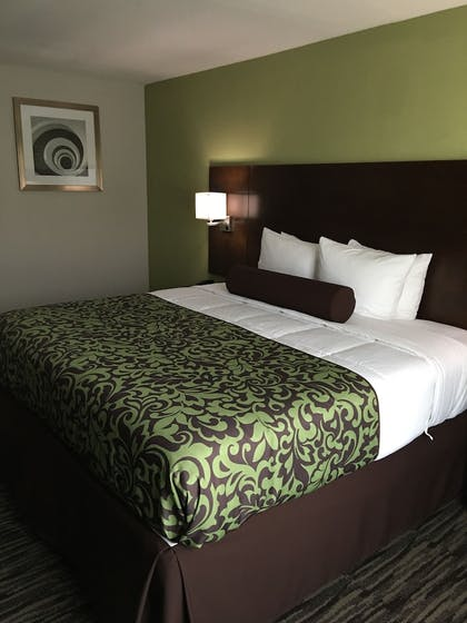 Guestroom | Baymont by Wyndham North Little Rock