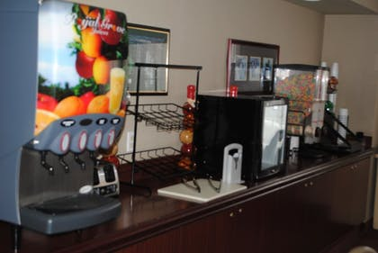 Breakfast Area | Best Western Plus Denver International Airport Inn & Suites